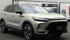 北京汽车BEIJING-X7正式亮相 新车将定位中型SUV